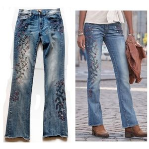 Driftwood Kelly Flower Embroidered Distressed Jean